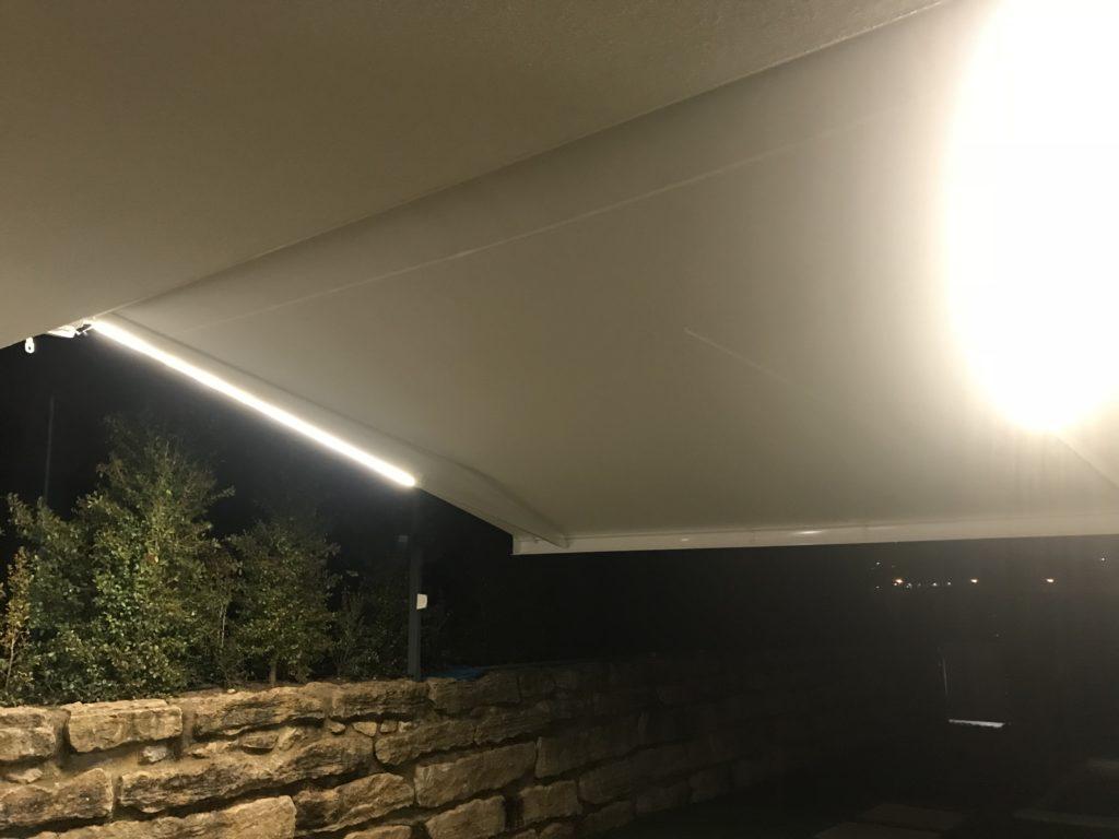 toldo-cofre-aberto-com-luz